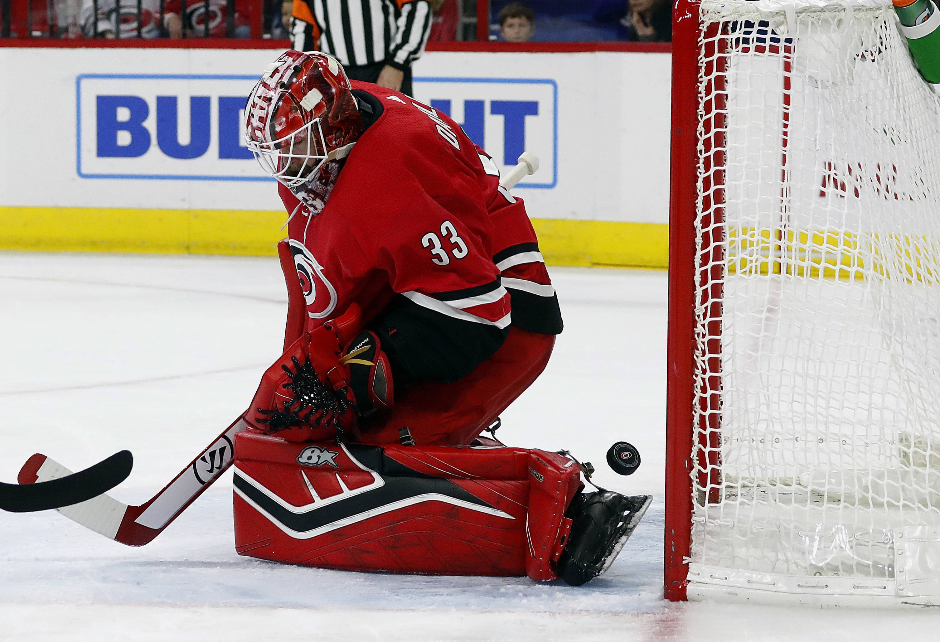 "Former Chicago Blackhawks goaltender Scott Darling asked the Carolina Hurricanes for a personal leave of absence Sunday. Carolina GM Don Waddell told the Charlotte Observer that Darling ""needs to regroup, basically."""