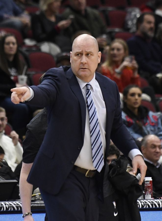Chicago Bulls head coach Jim Boylen instructs his team during the first half of an NBA basketball game against the Memphis Grizzlies, Wednesday, Feb. 13, 2019, in Chicago.