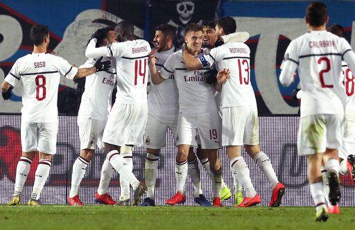 2bf4dcfd5fa Piatek scores 2 as Milan beats Atalanta 3-1 in Serie A