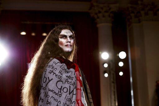 Burberry Catwalk Showcases Streetwear Elegant Classics