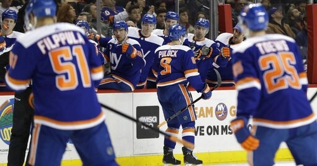 Barzal Lee Score In 3rd Period Islanders Beat Oilers 5 2