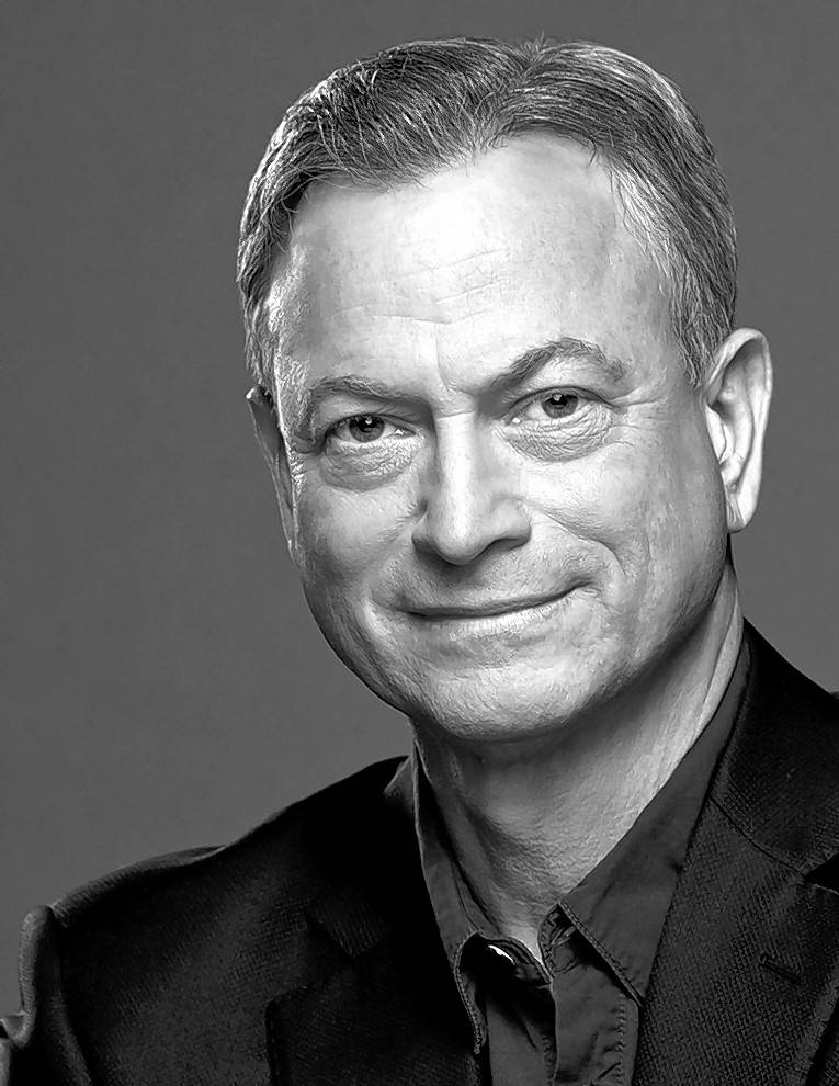 Actor Gary Sinise talks about his new book at the Steppenwolf Theatre in Chicago on Monday, Feb. 18.