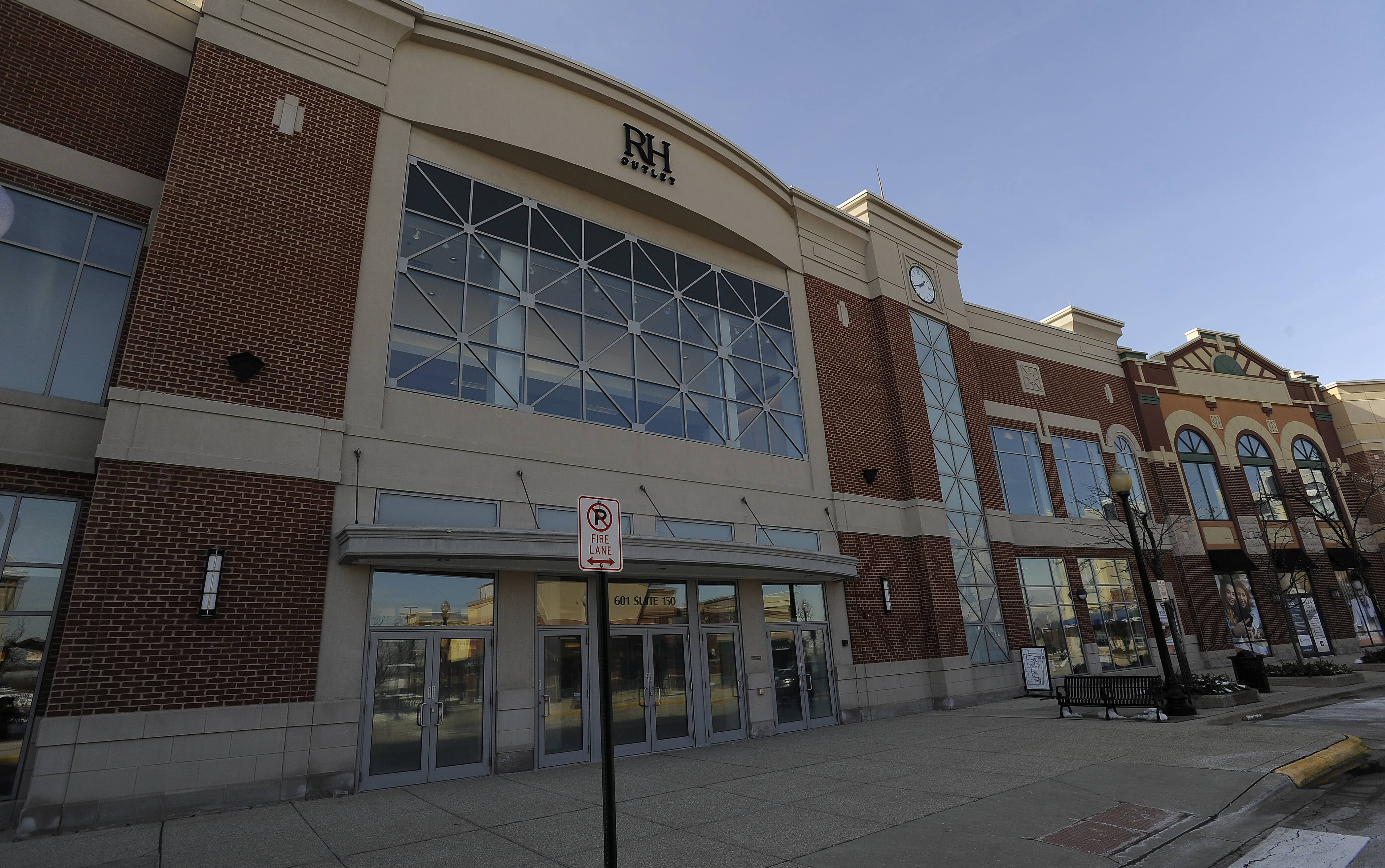 Restoration Hardware Outlet recently moved into the former Carson's in the Streets of Woodfield shopping center in Schaumburg.