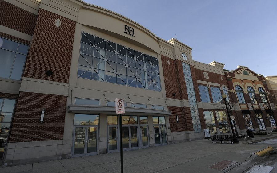 Restoration Hardware Outlet >> Restoration Hardware Outlet Opens In Former Schaumburg Carson S