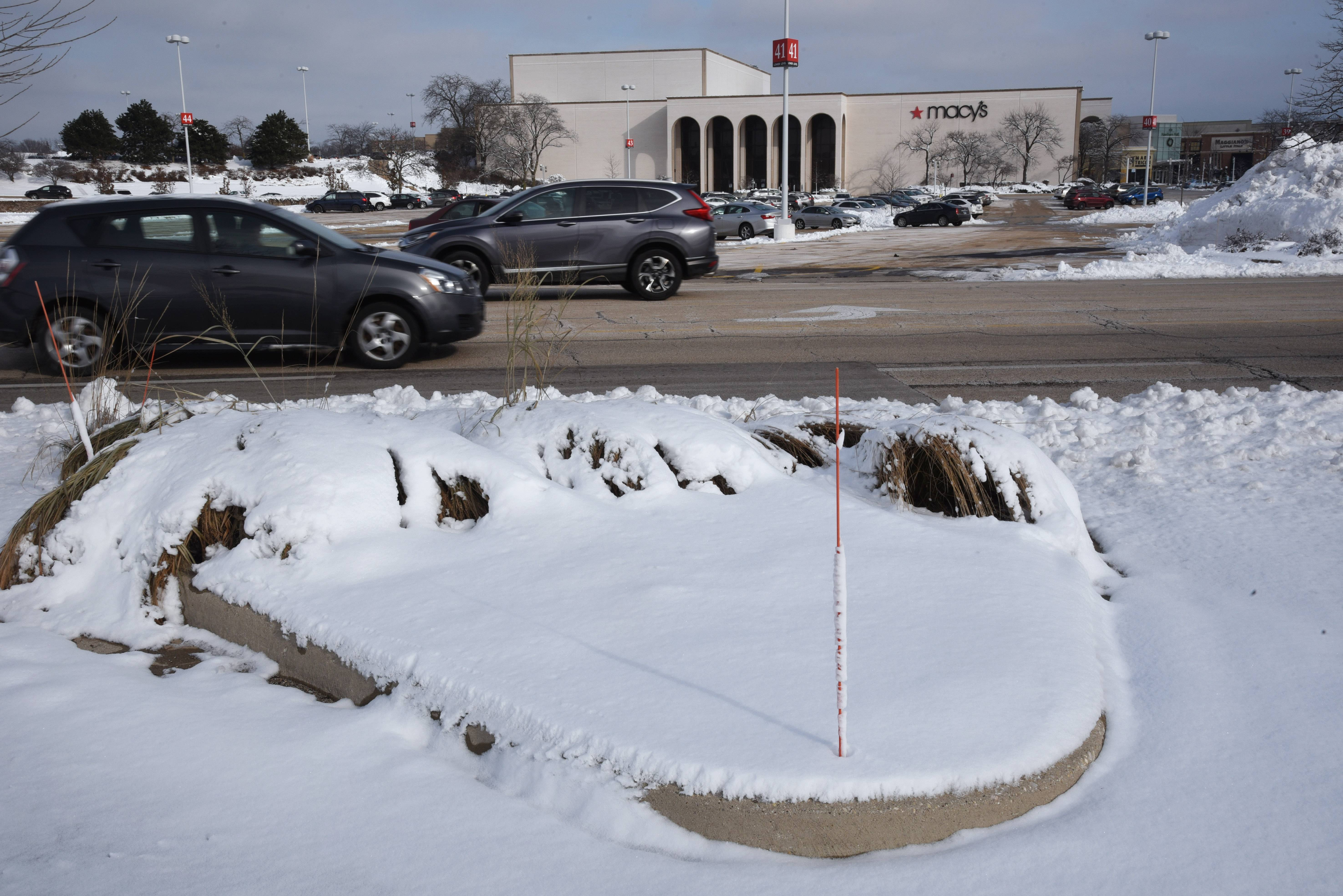 Vernon Hills wants Macy's to scale back Hawthorn Mall plan