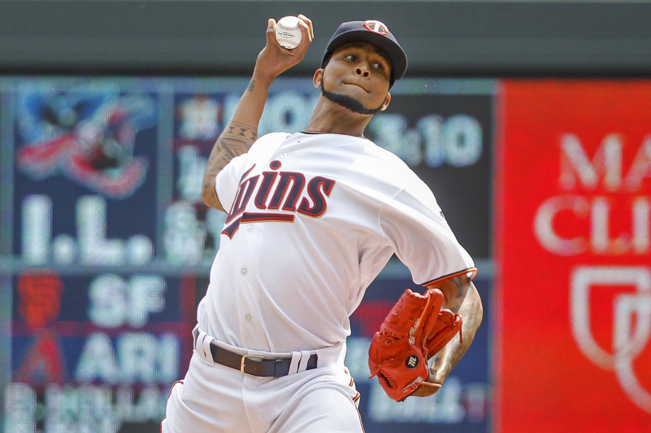 A person familiar with the situation says the Chicago White Sox have agreed to a minor-league contract with veteran right-hander Ervin Santana. The agreement is pending a successful physical.