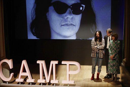 506bc3eb92 Wintour honors Lagerfeld  Bottega Veneta shows new direction