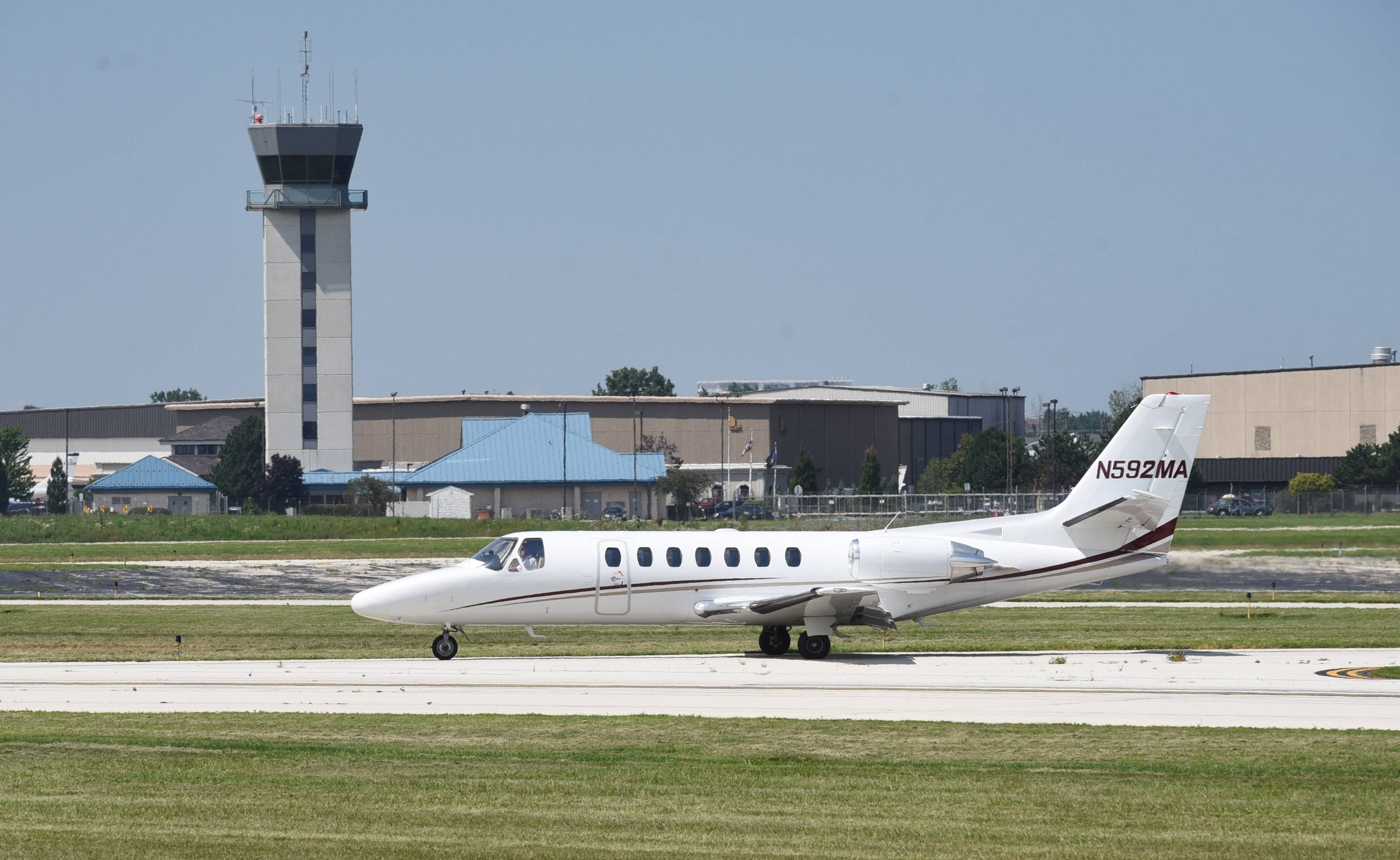 State lawmaker opposes longer runway at Chicago Executive Airport
