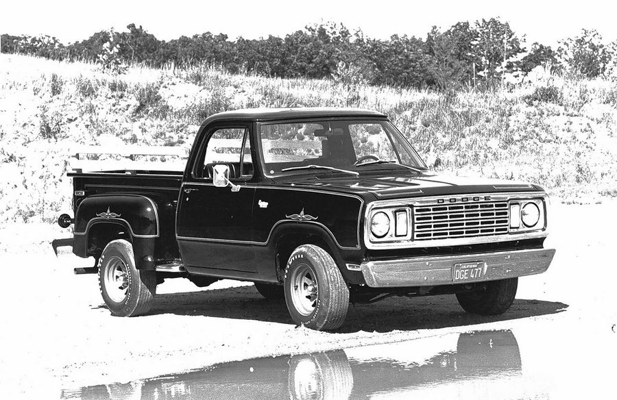 A 1977 Dodge D100 Warlock with the custom package offered from 1976 to 1979.