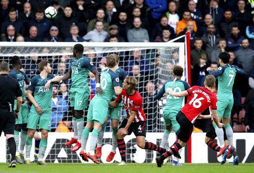 Southampton Stuns Tottenham 2 1 In Epl