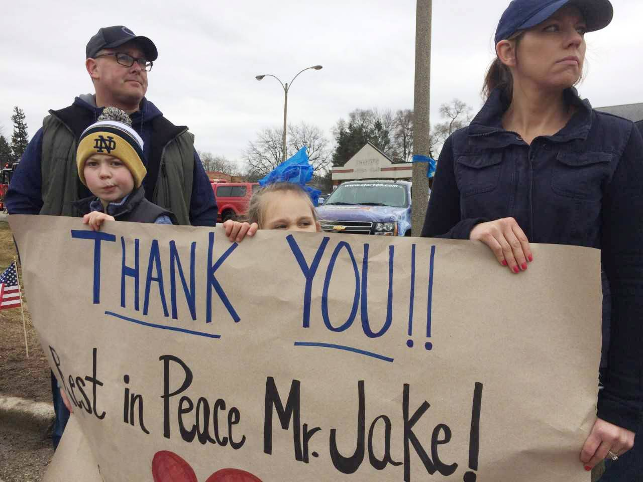 Community shows support at McHenry County deputy's funeral procession