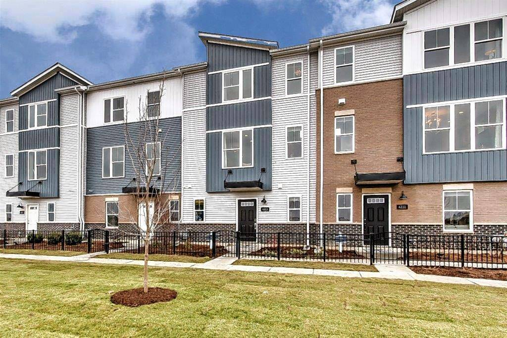 With its urban flair, the Gramercy Square townhouse community in Aurora appeals to millennial buyers.