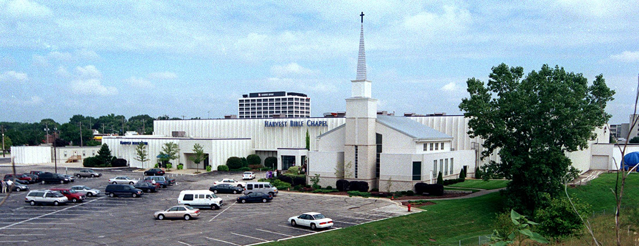 Evangelical financial group suspends Harvest Bible Chapel's accreditation