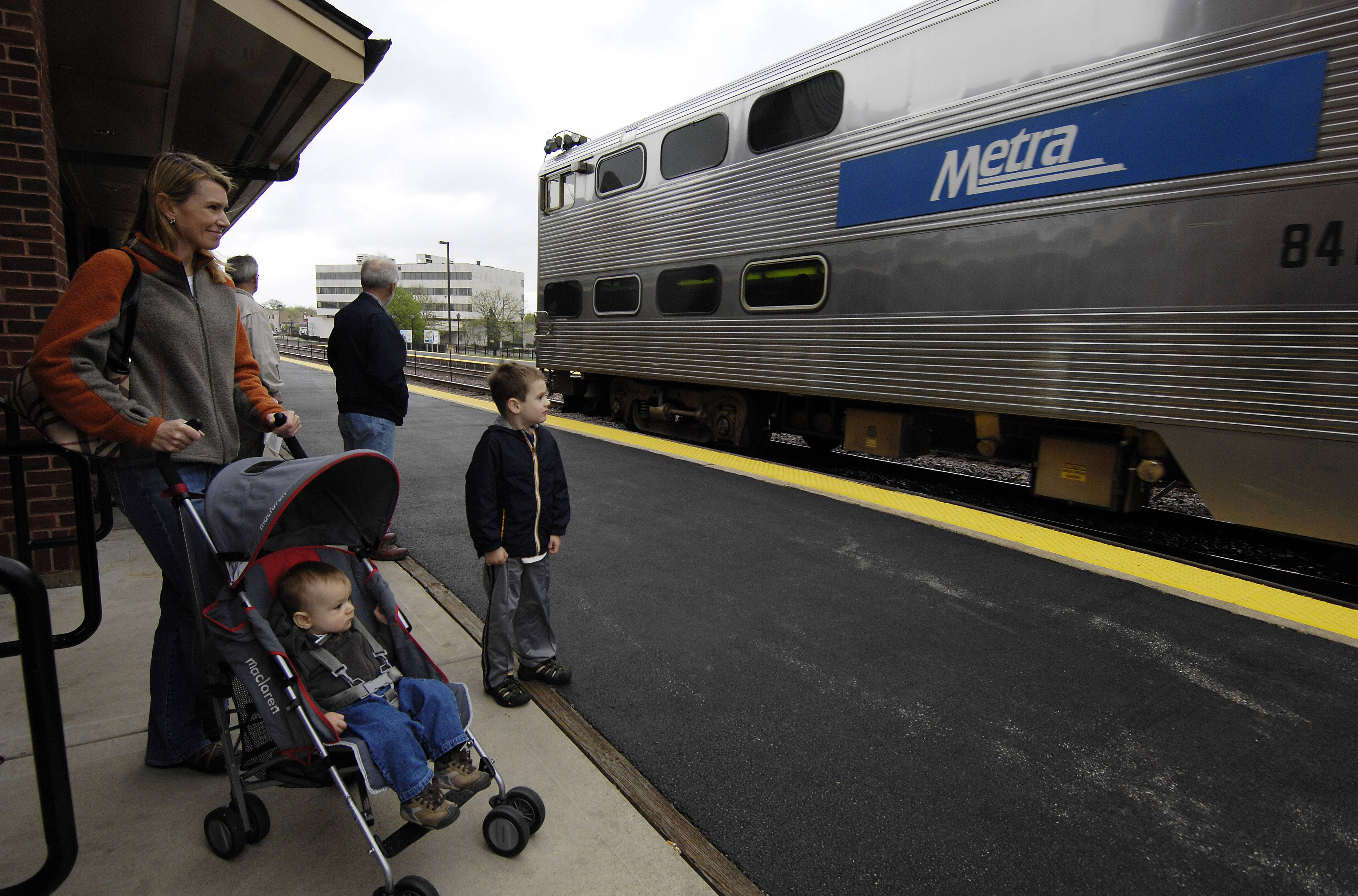 Is your Metra station well-used? The agency aims to evaluate the number of riders at stops and improve low-performers.