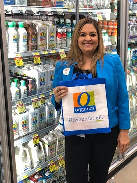 Own Brands Sales Manager Mirna Franjul says the O Organics® brand label carries throughout Jewel-Osco, giving customers a wide variety of health-conscious choices.