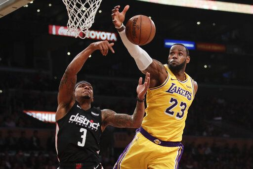 07a7e7726540 LeBron leads Lakers past Wiz 124-106 for back-to-back wins
