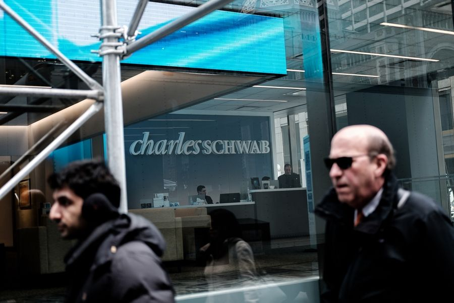 Charles Schwab Corp., the low-cost investing pioneer that now handles more than $3.5 trillion in assets, is switching to a subscription-based financial planning option to its digital advisory service that offers more hands-on help, the company said Thursday.