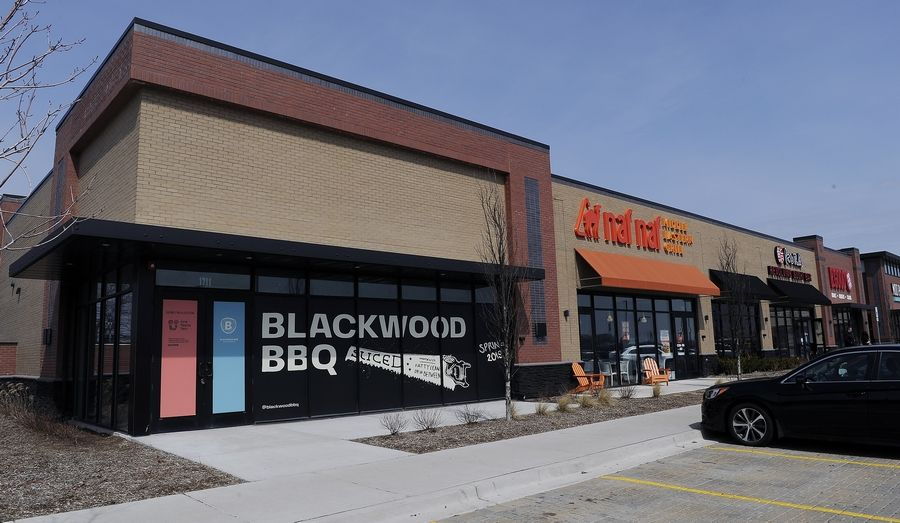 Blackwood BBQ restaurant, which has three locations in Chicago, will open its suburban eatery in Woodfield Gatherings, an outlot development near Woodfield Mall in Schaumburg.