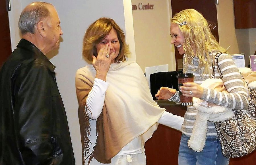 The first meeting between Heidi Dooley of Woodstock, right, and Dave Thompson and his wife, Pat, of Elgin was very emotional. Dooley is scheduled to donate a kidney to Dave Thompson on Thursday.