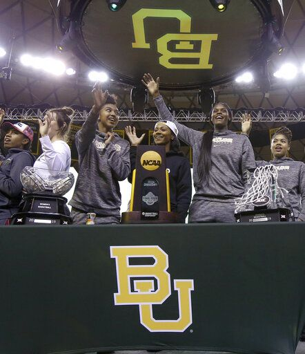 83f36e3e955 Baylor players give the sic 'em sign as they thank their fans who welcomed  them