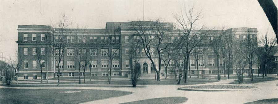 The second Elgin High School building in 1921. The building now serves as Elgin Area School District U-46's administrative headquarters.