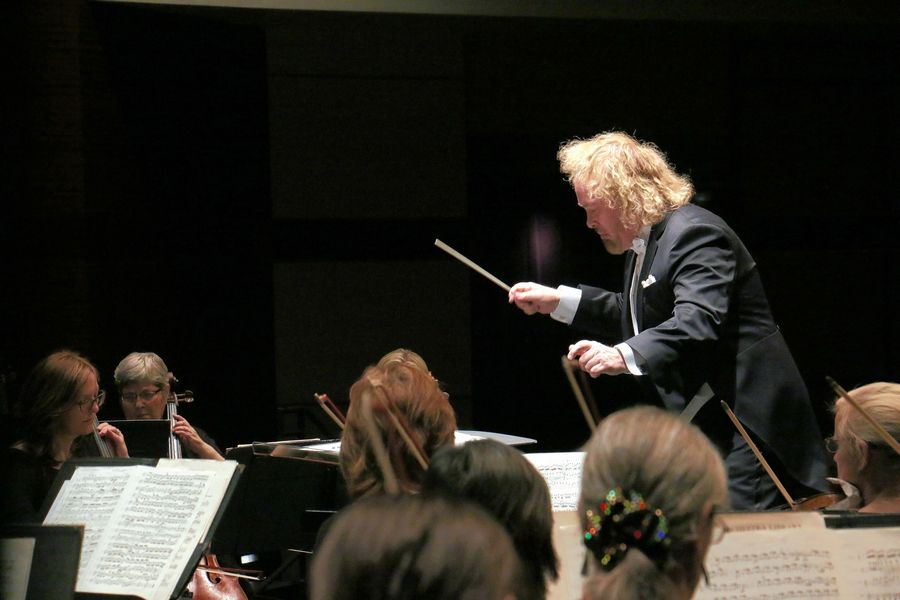 Kirk Muspratt is the music director and conductor of the New Philharmonic, which is based at College of DuPage's McAninch Arts Center in Glen Ellyn.