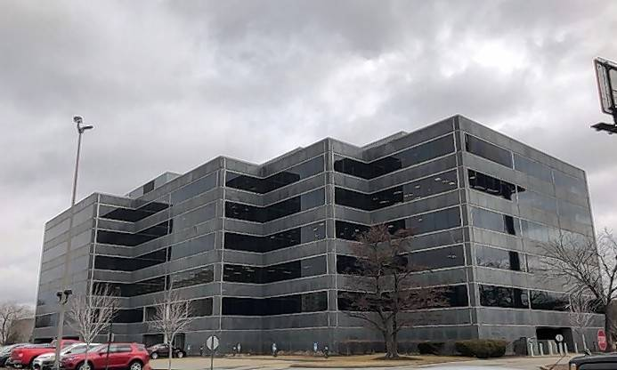 A developer has a $10 million plan to redevelop an office building and construct a new restaurant at 1700 W. Higgins Road in Des Plaines.