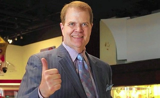 Feder: Sportscaster Chet Coppock dies after car accident
