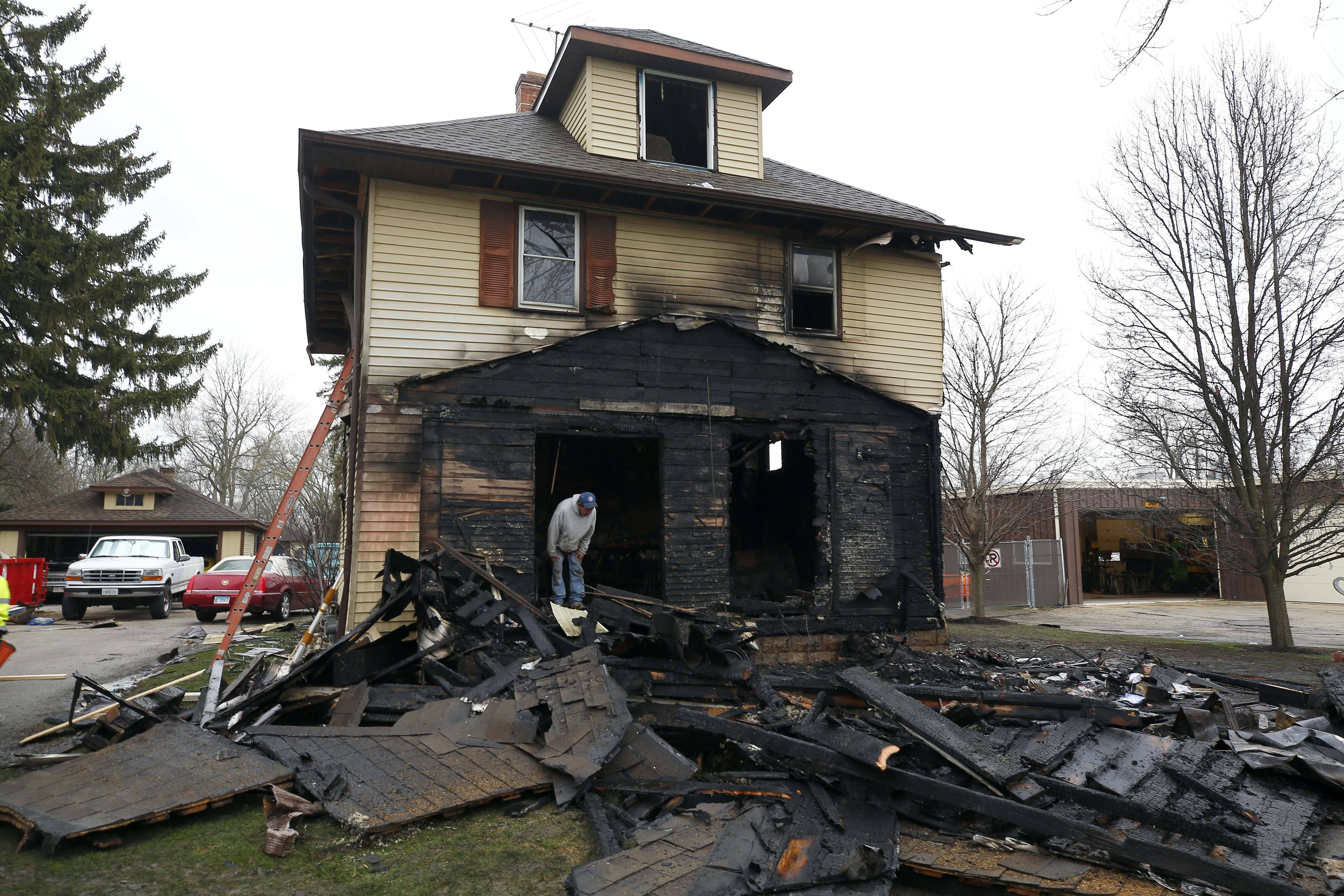 Man killed, 92-year-old injured in West Chicago fire