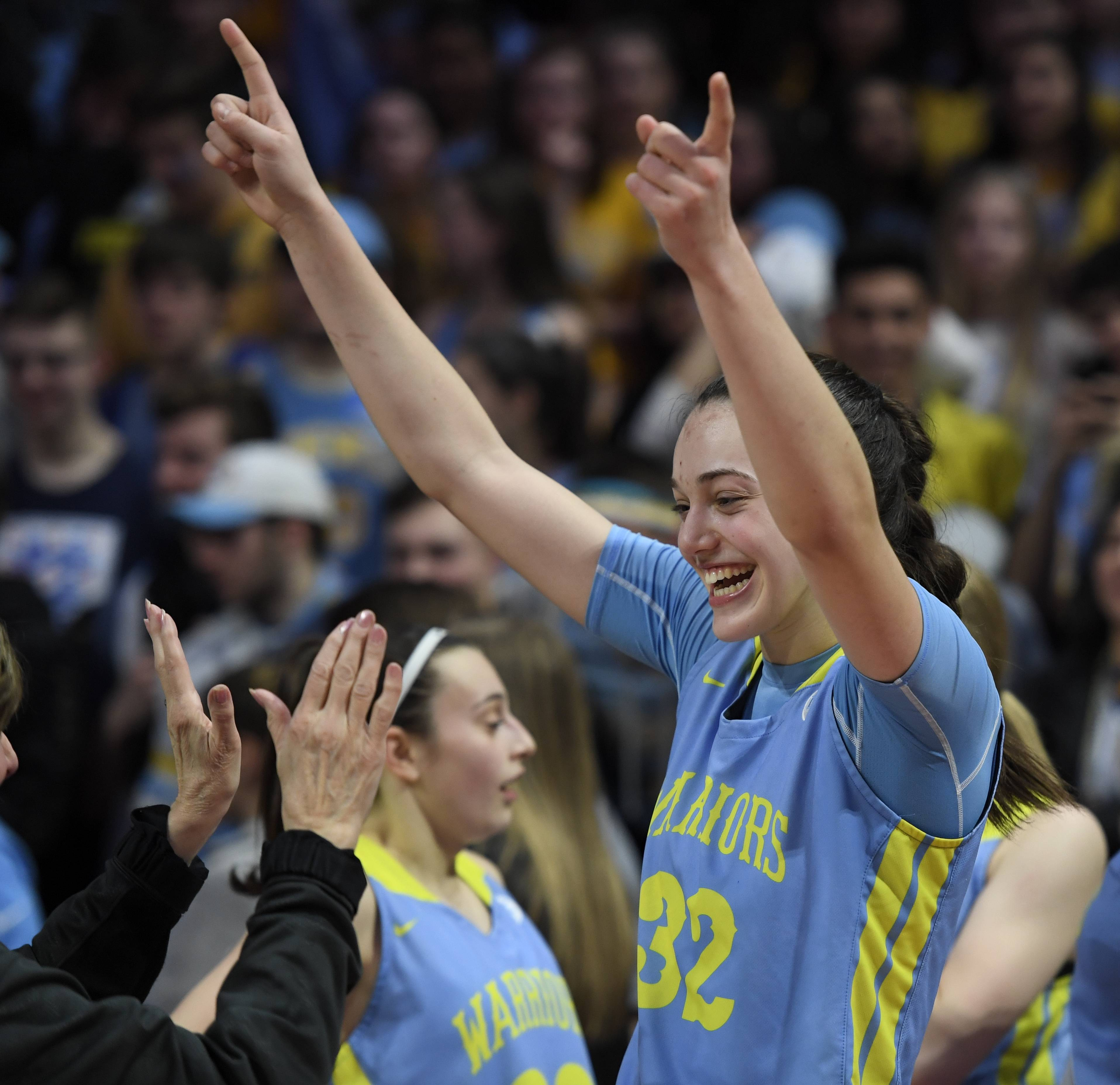 Maine West junior Angela Dugalic has committed to the University of Oregon.