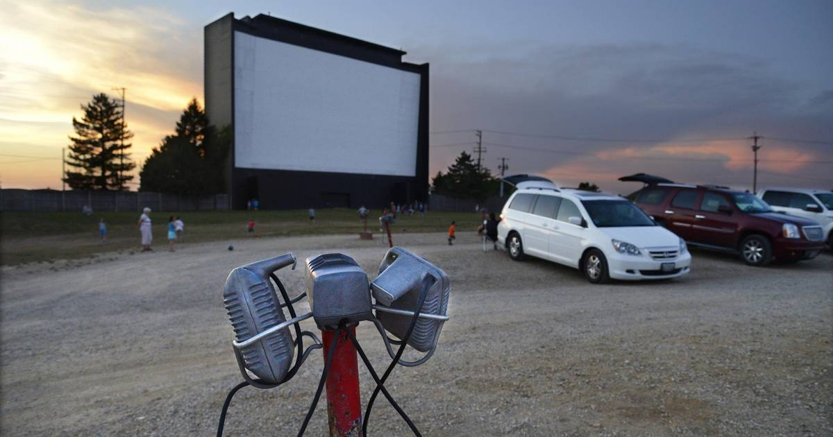 The Suburbs Last Drive In Theater Opens For The Season Tonight