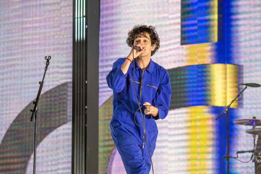 Matthew Healy and The 1975 play the United Center Thursday, May 7.