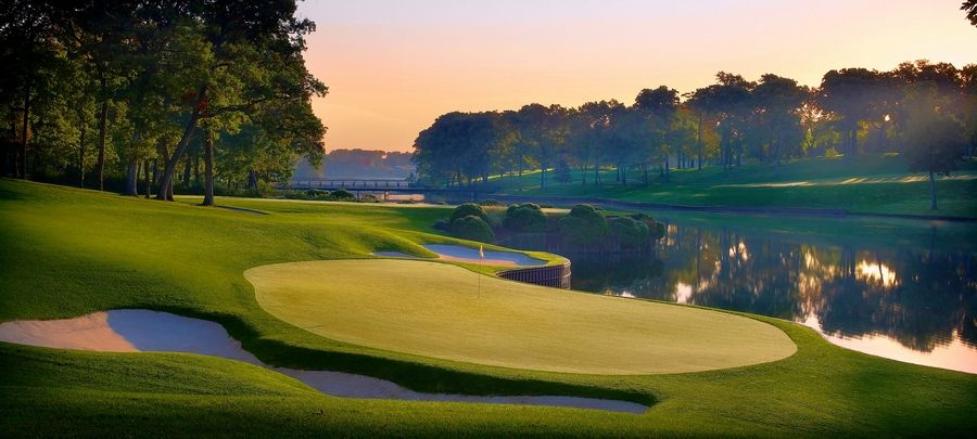 Galleries will swarm Medinah's stunning 17th hole for the BMW Championship.