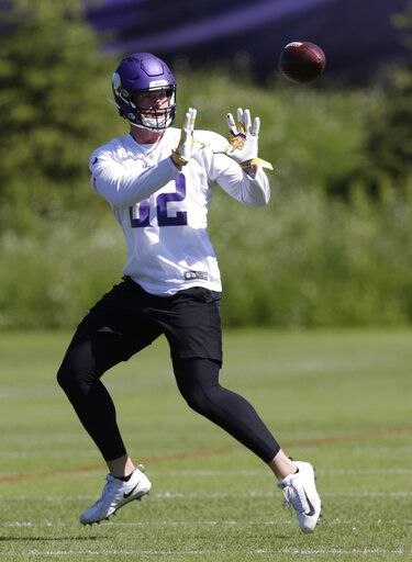 Minnesota Vikings tight end Kyle Rudolph makes a catch during drills at the team's NFL football training facility in Eagan, Minn., Thursday, June 13, 2019.