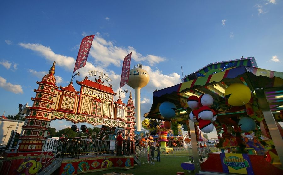 Island Lake welcomes summer with carnival, fireworks