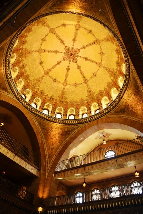 Medinah's clubhouse has a 60-foot-high rotunda with a hand-painted ceiling.