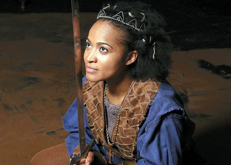 Classically trained Diana Coates plays Henry V for the second time in her career, this time outdoors in a production at First Folio Theatre in Oak Brook.