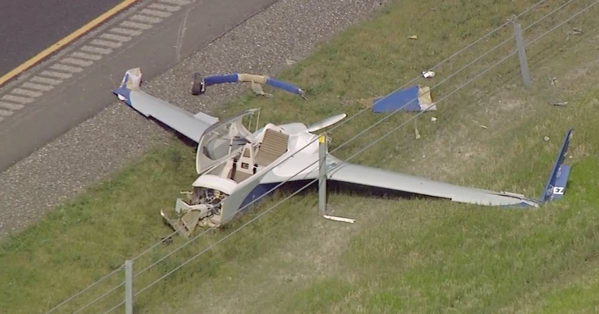 Small plane crashes on I-88 in Kane County, clips a truck