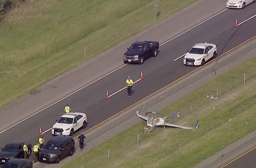 One lane of westbound traffic on I-88 was blocked after a small plane crashed along the tollway near Kaneville.
