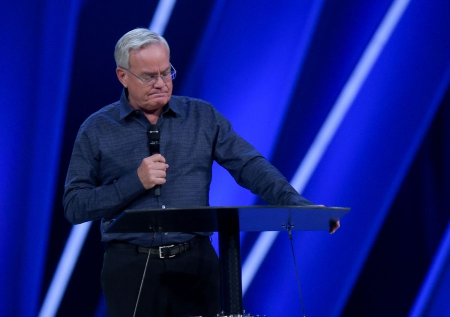 The Rev. Bill Hybels makes the announcement he is stepping down as lead pastor of Willow Community Church in April 2018.