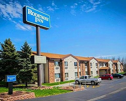 Marcus & Millichap recently sold Rodeway Inn in Joliet for $1.75 million.