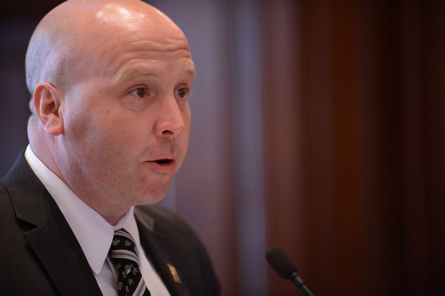 State Sen. Tom Cullerton, a Villa Park Democrat, has been indicted on charges alleging he received a salary and benefits from the Teamsters while doing little to no work, federal authorities said Friday.