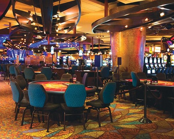 The Potawatomi Hotel & Casino in Milwaukee has applied to operate a new casino in Waukegan.