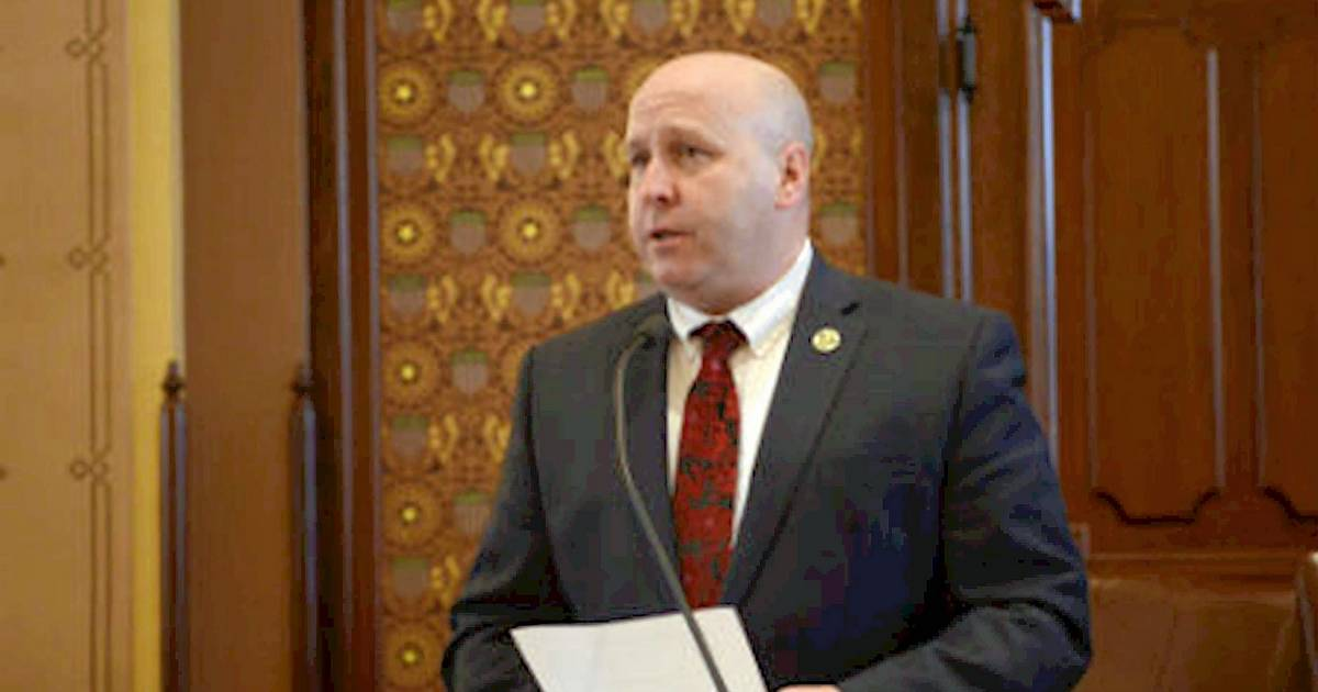 Days after indictment, Cullerton out as one committee