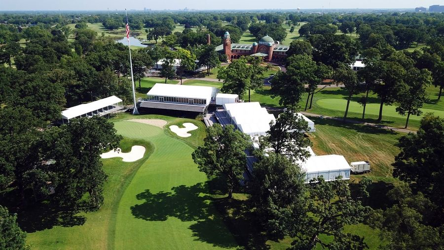 The clubhouse at Medinah Country Club will provide quite the backdrop to the finishing hole of the BMW Championship.