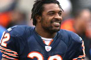 Cedric Benson, the Chicago Bears' first-round pick in 2005, was killed in a motorcycle crash Saturday night in Austin, Texas, according to multiple reports.
