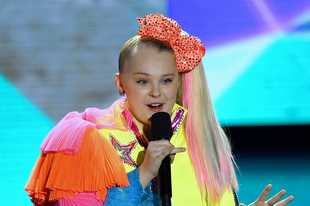 "Nickelodeon's JoJo Siwa brings ""D.R.E.A.M. The Tour"" to the Rosemont Theatre on Thursday, Aug. 29."