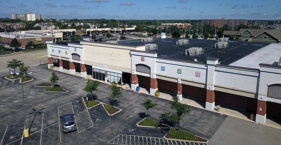 A new grocery store that has not yet announced its name has won village approval to occupy the former site of Babies R Us in the Schaumburg Corners Shopping Center at 16 E. Golf Road in Schaumburg.