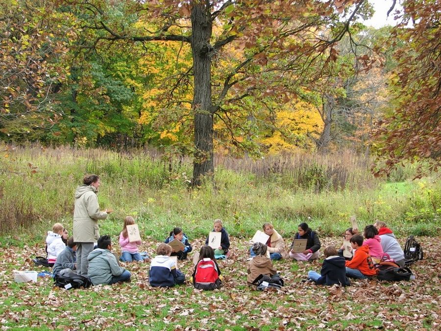 An array of field trips, in-school programs, and Scouting programs are provided year-round by professional Lake County Forest Preserve educators. Many of the field trips are offered at preserves throughout Lake County.