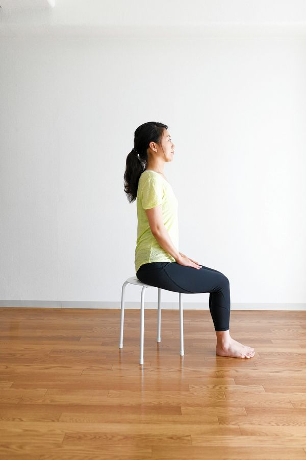 For some exercises to strengthen your toes and arches, start seated in a chair. Lift all the toes up toward the ankle, keeping the rest of the foot on the ground. Repeat 100 times.